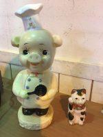 「エースコック 店頭用ソフビ人形 &古い陶器の招き猫」買取させていただきました。